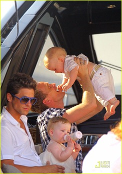 neil-patrick-harris-david-burtka-vacationing-in-st-tropez-14