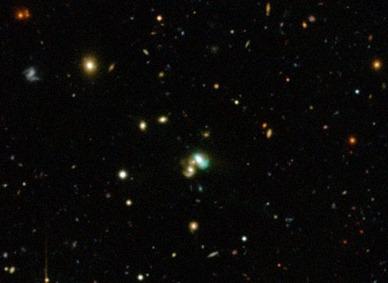 galáxia J2240