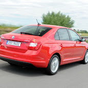 2013-Skoda-Rapid-Sedan-Red-Color-11.jpg