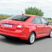 2013-Skoda-Rapid-Sedan-Red-Color-11.jpg