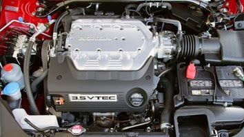 2014-Honda-Accord-Coupe-Engine