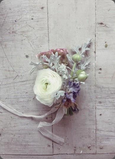 1231685_691975454165292_1628557997_n jo flowers