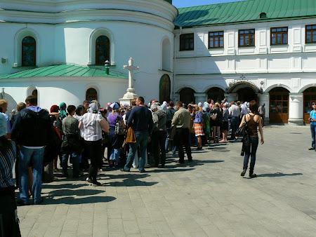 10. Line for the Kiev catacombs.JPG