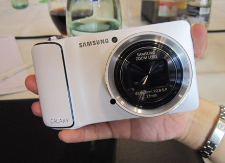 Samsung-galaxy-camera-berkamera-16-MP