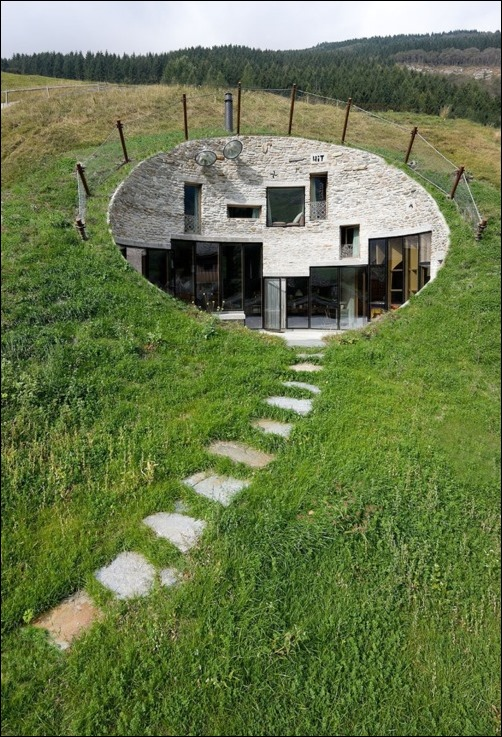 Underground-House-In-Switzerland