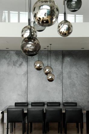 lámpara de araña con esferas de vidrio soplado a mano