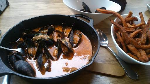 [写真]ムール貝(一人前、しかも食べかけ)