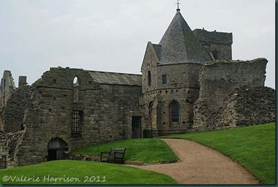 19-Inchcolm-Abbey