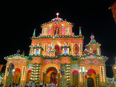 17. Catedrala luminata in Malta.JPG