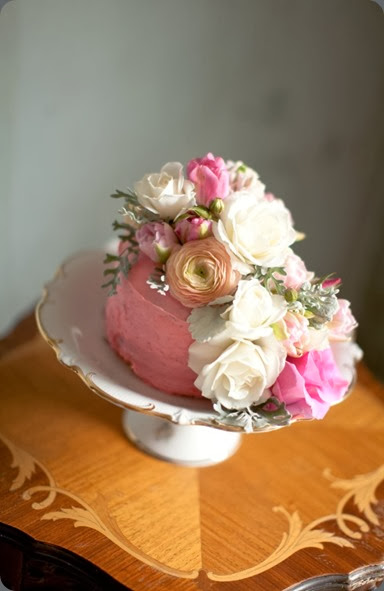 cake Vintage Pink Wedding Florals (15)b oak and the owl
