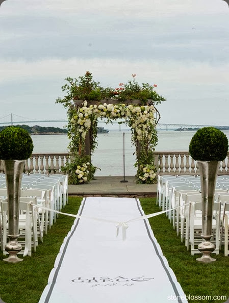 outdoor ceremony site 1009859_10151819799909660_1590679949  florisity _n