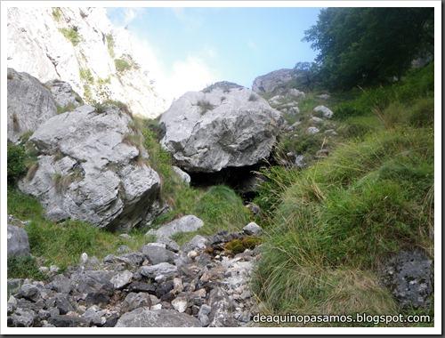 Poncebos-Canal de Trea-Jultayu 1940m-Lagos de Covadonga (Picos de Europa) 5104