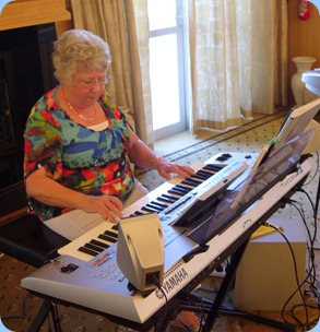 Barbara Powell played Barbara McNab's Yamaha Tyros 4 very nicely.