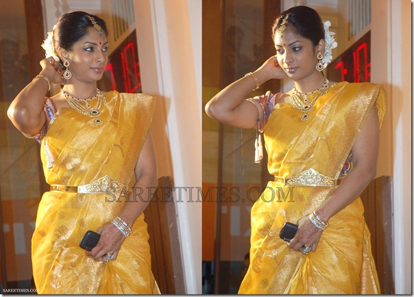 Shriya_Reddy_Uppada_Silk_Saree