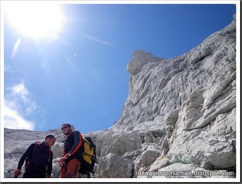 Via Directa de Los Martinez 250m D- V- (Picu Urriellu, Picos de Europa) (Isra) 1209