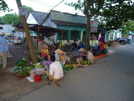 Imagini Delta Mekongului: Piata in Vietnam