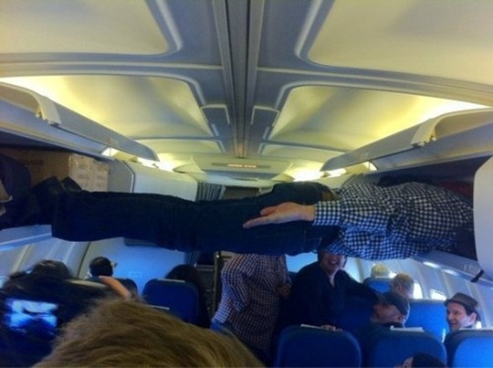 impressive-airplane-plank-31421-1306249623-8