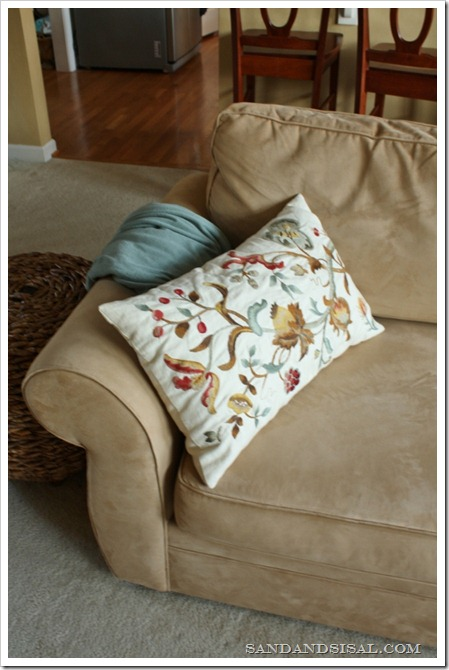 Pottery Barn Embroidered Pillow (533x800)