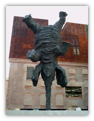 Elefante de Miquel Barceló en  Paseo del Prado. Madrid, febrero 2010.