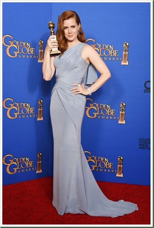 amy-adams- with her Golden globe trophy