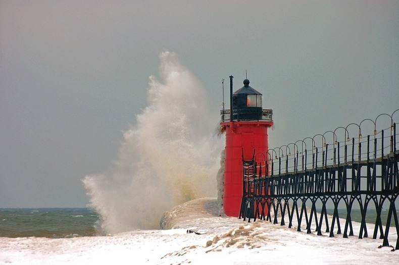 frozen-lighthouses-11