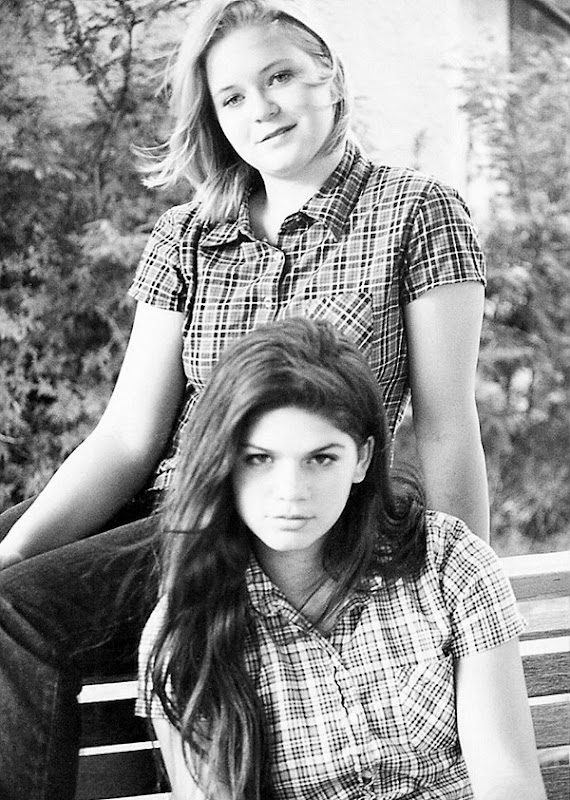 Laryssa&Jen2rt