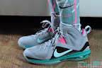 nike basketball elite lebron socks southbeach 1 04 Matching Nike Basketball Elite Socks for LeBron 9 Miami Vice