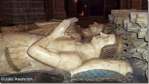 Leonor de Trastámara - Sepulcro de Carlos III el Noble - Catedral de Pamplona