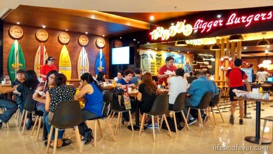 teddys burgers shangrila plaza