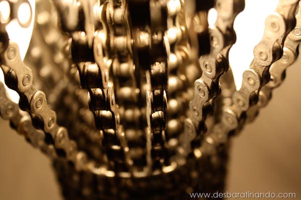 lustres-feitos-com-correntes-de-bicicleta-desbaratinando (16)