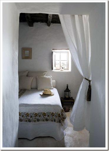 mediterranean-style-bedroom-design