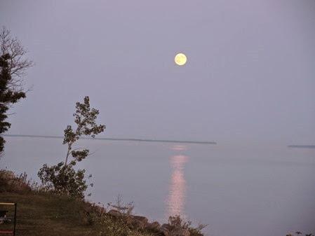 20140810_203402-big-moon