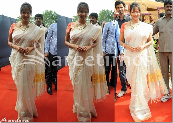 Lakshmi_Prasanna_White_Silk_Saree