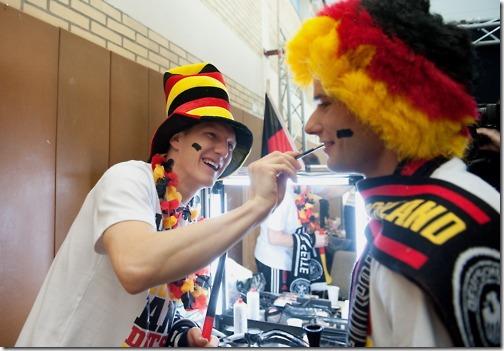 bastian-schweinsteiger-lukas-podolski-germany-national-team-dfb-seleção-alemã-copa-do-mundo 500x347