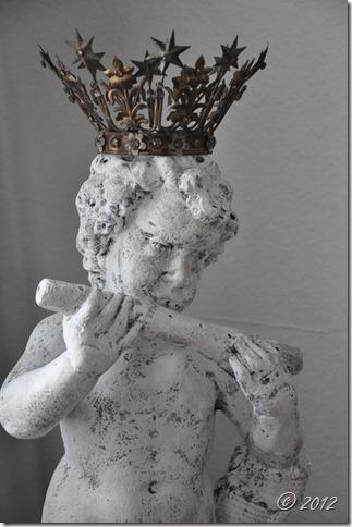 statue 013