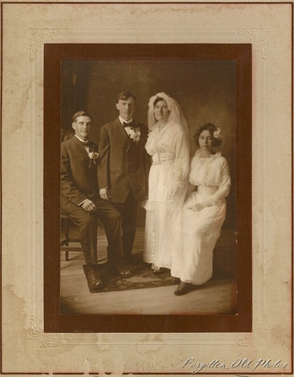 Wedding Photo PR Antiques One 1918 I think