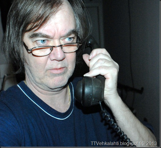 vanha puhelin erigson 004