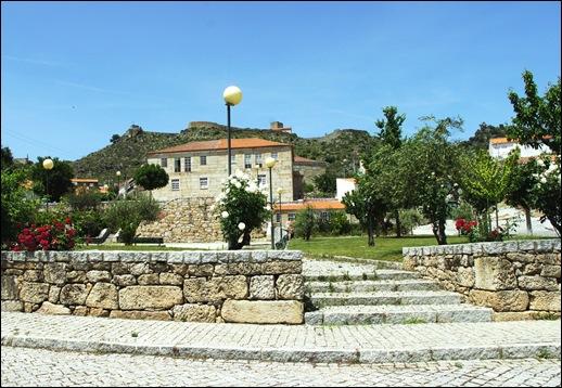 Marialva - Glória Ishizaka -  Largo do Negrilho.2