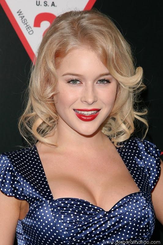 renee-olstead-linda-sexy-sensual-photoshoot-loira-boobs-desbaratinando-sexta-proibida (132)