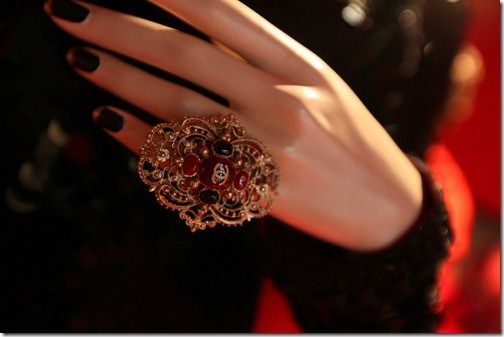 red,ring,nale,jewelry,jewellery,beauty-d22430fb72d6cd6b23f4901eb057f99b_h_large