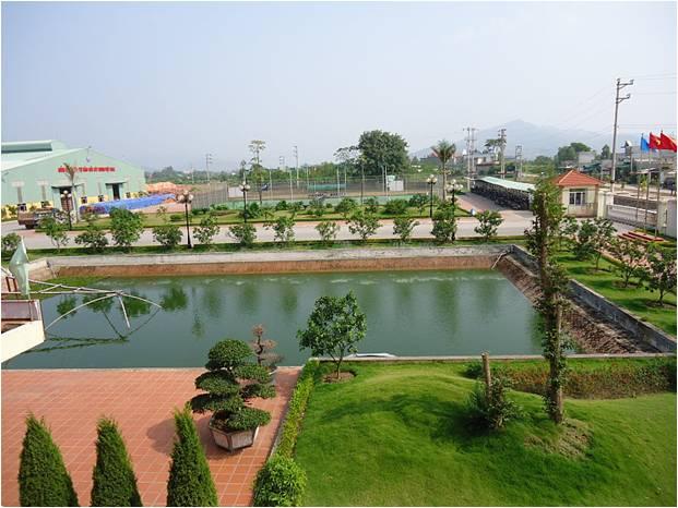 Khuôn viên nhà máy Gốm Đất Việt