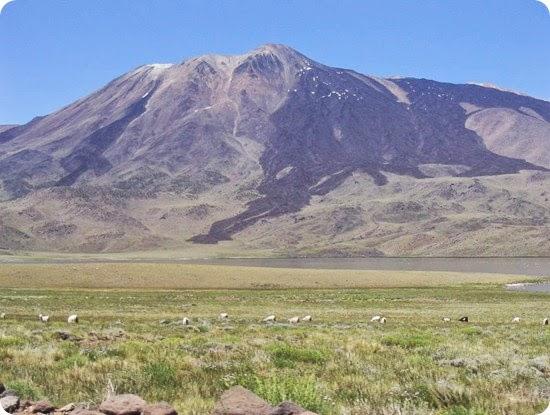 Barrancas neuquen VolcanTromen