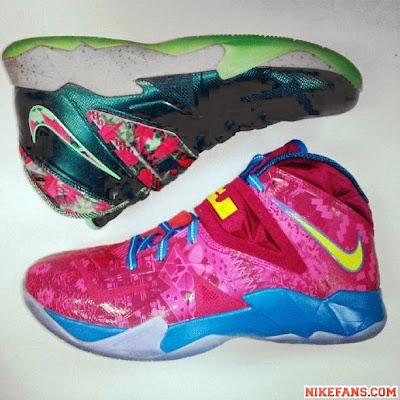 nike zoom soldier 7 gr hyper fuschia 1 02 Nike Soldier VII Hyper Fuschia / Tour Yellow Drops Next Month