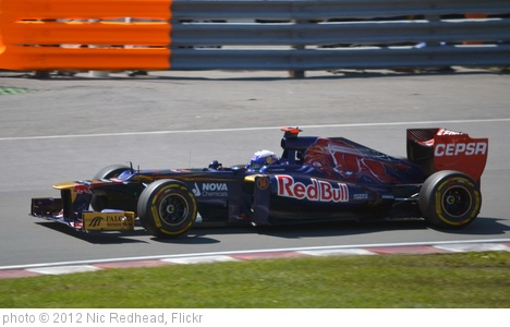 'Daniel Ricciardo' photo (c) 2012, Nic Redhead - license: http://creativecommons.org/licenses/by-sa/2.0/