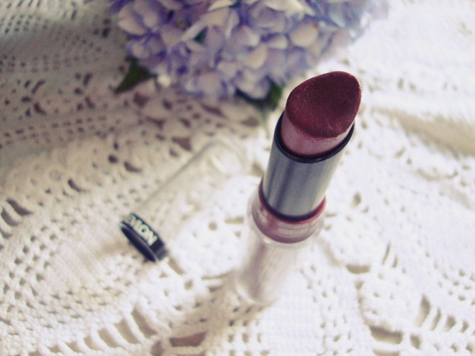Revlon Backstage lipstick review