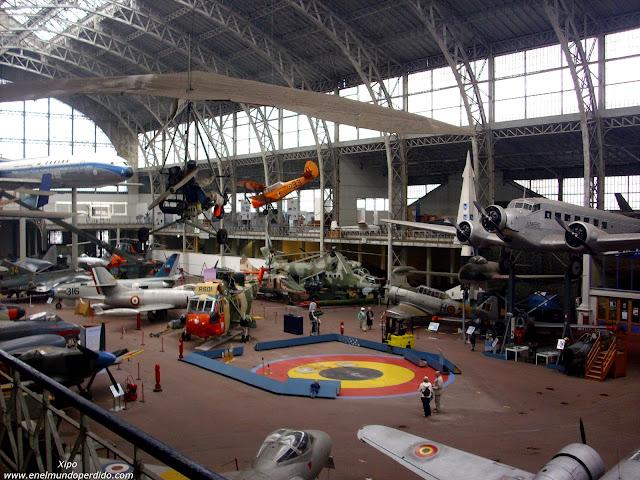 tipos-de-avion-museo-del-ejercito-de-bruselas.JPG