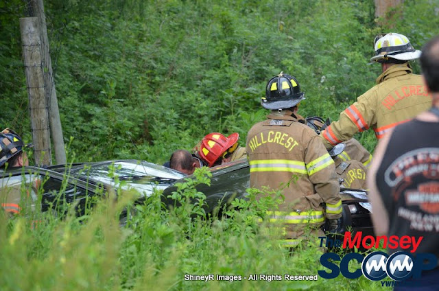 MVA With Entrapment On S. Mountain Rd - DSC_0028.JPG