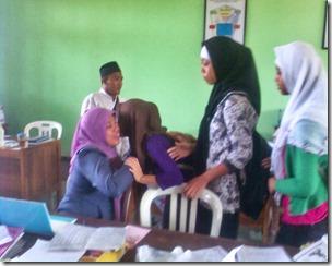 Siswa Siswi SMPN Wonoasri meminta Dukungan Moril dan Doa Restu dari seluruh Guru dan staf Karyawan SMPN Wonoasri,
