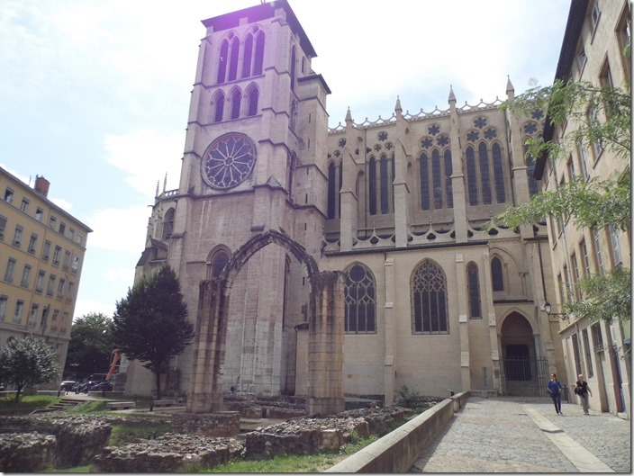 Lyon 10