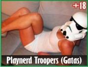 Gatas sensuais vestidas de Troopers